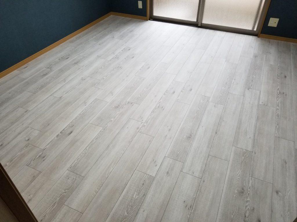 床のフロアタイル張替え