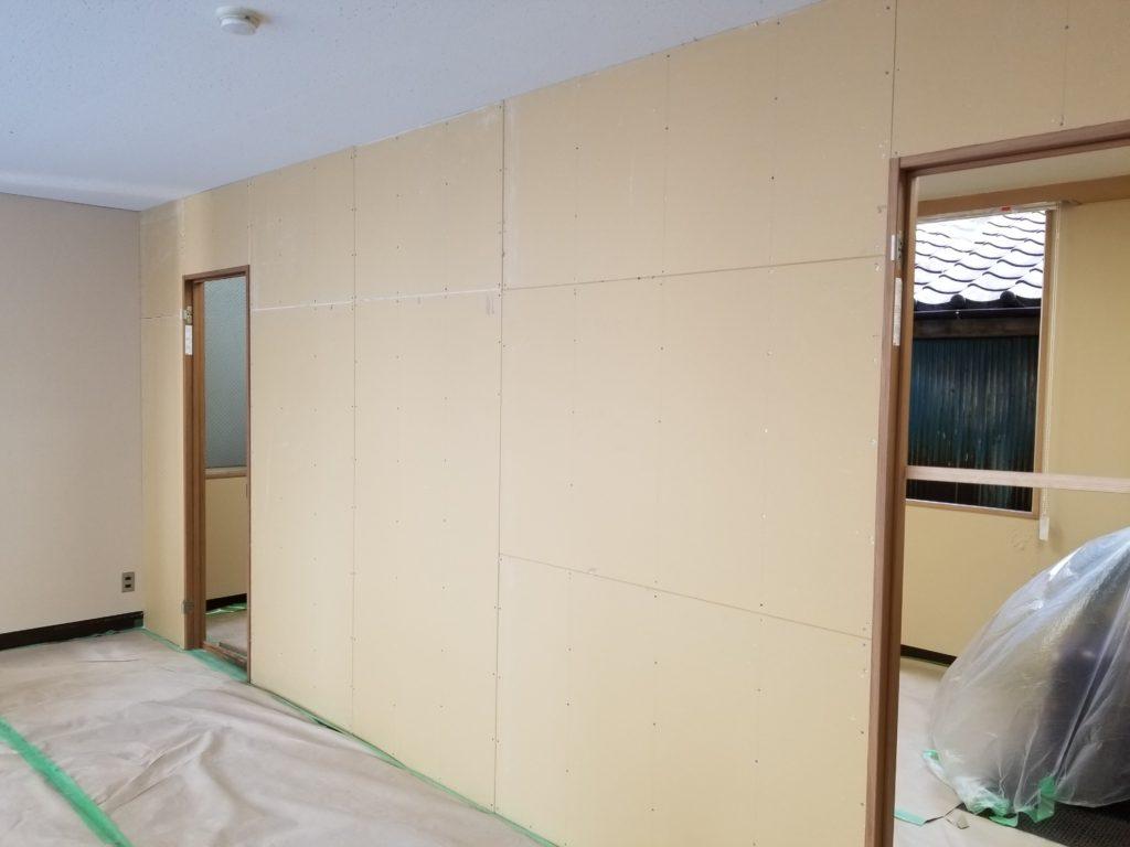 事務所壁リフォームの施工前
