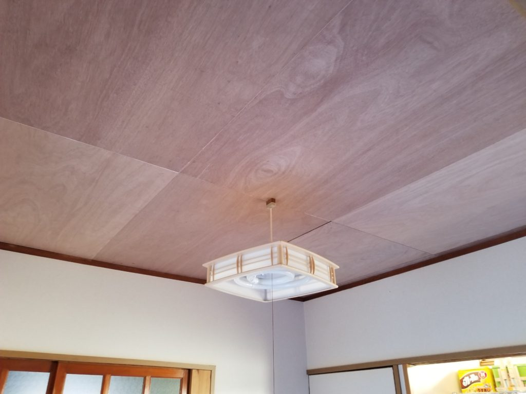 和室の天井クロスリフォーム施工前