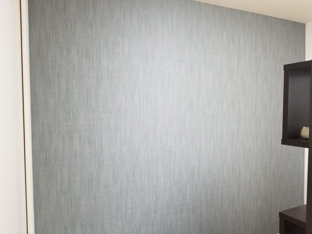 マンション洋室のアクセント壁紙の施工後