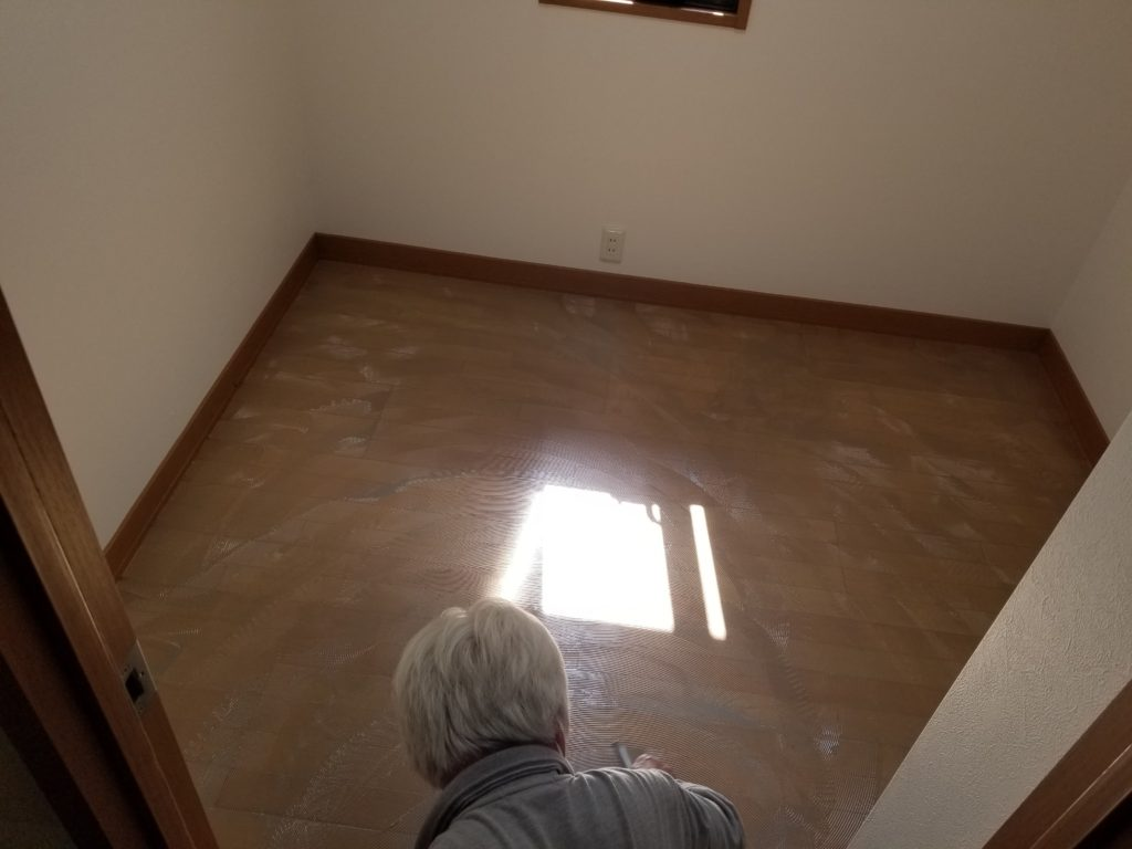 書斎の床張替えリフォームの施工中